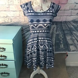 J for Justify Size Small Black and White Dress